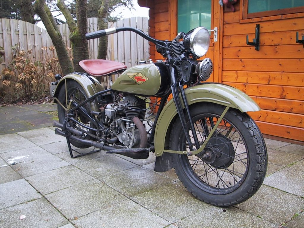 Harley Davidson 500 as one of the good motorcycle for beginner.