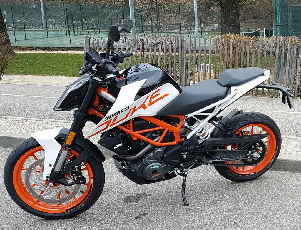 KTM RC 390 as a Good Motorcycle for a Small Female Beginner?