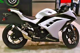 Kawasaki 300 as one of the good motorcycle for novices.