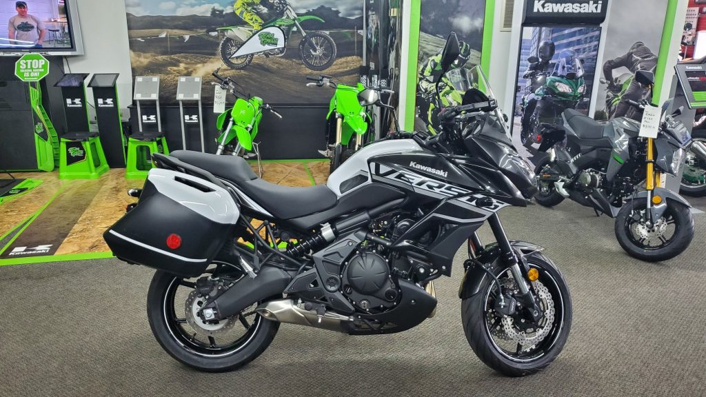 Kawasaki Versys 300 ABS as one of the good motorcycle for beginner.